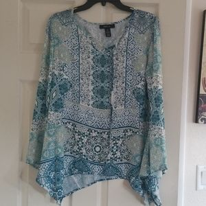 Style & Co  womens Flowy blouse